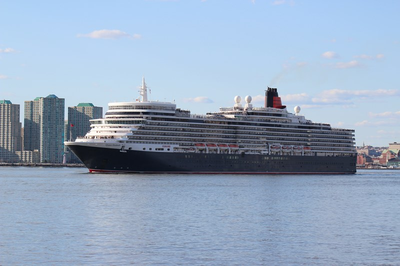 Photos Queen Elizabeth Sailing From New York Cruise