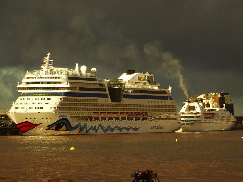 Photos Aida Thomson And Seabourn Ships In Funchal Cruise Industry News Cruise News