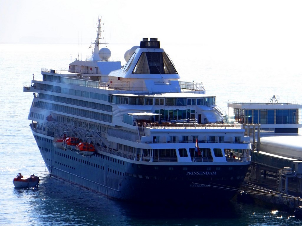 Photos Prinsendam In Funchal Cruise Industry News