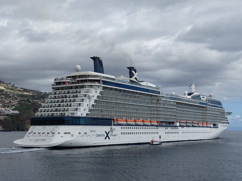 Tour of the Celebrity Reflection - YouTube