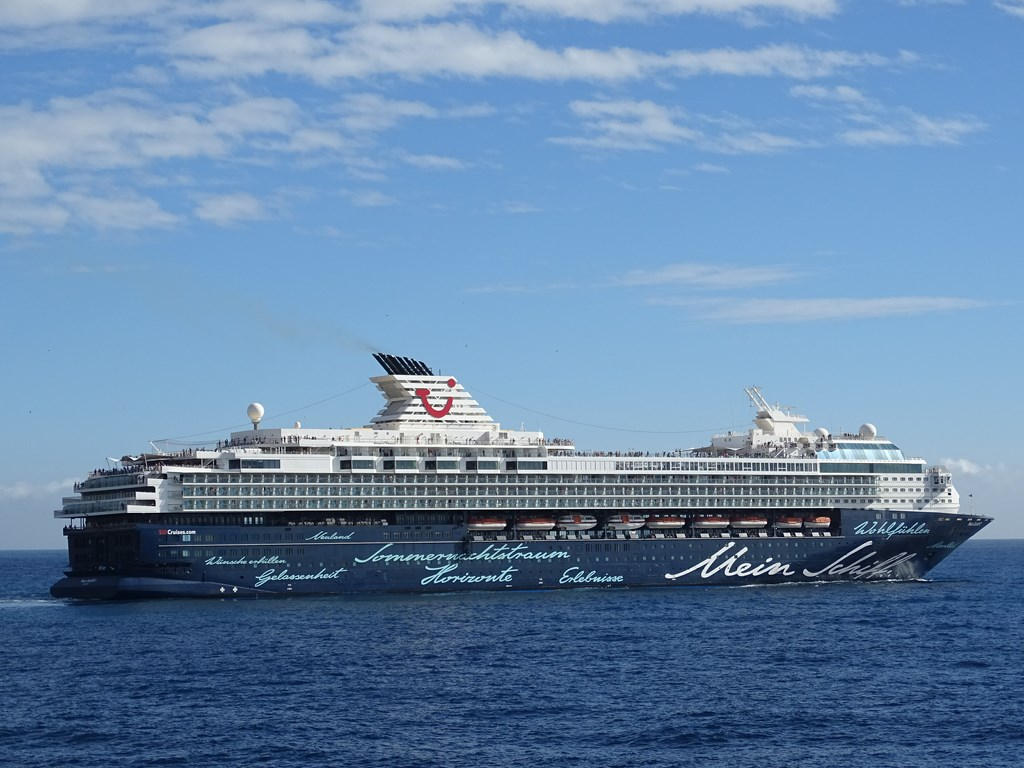 Photos: TUI Cruises Mein Schiff 2 - Cruise Industry News ...