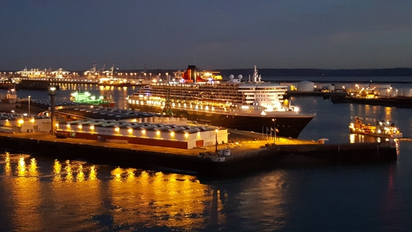 (Photo) The Queen Mary 2 in Le Havre