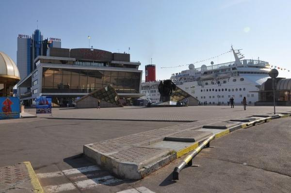 Three Ships in Odessa Today