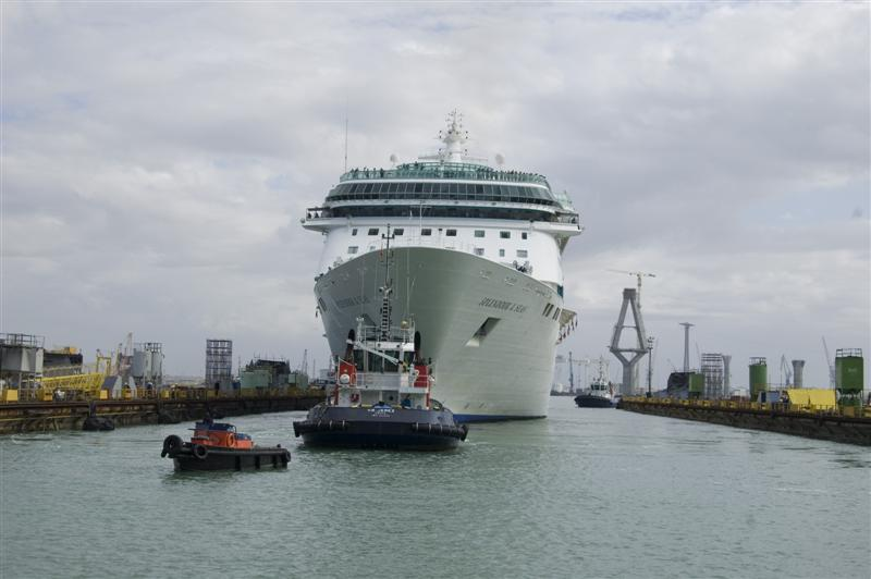 Splendour of the Seas Enters Navantia Shipyard - Cruise