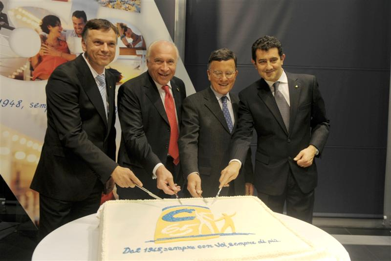 Picture of the cake for the 65th Anniversary. from the left: Michael Thamm, CEO of Costa Crociere; Pier Luigi Foschi, Chairman of Costa Crociere; Nicola Costa, Councillor and former Chairman of Costa Crociere; Gianni Onorato, President of Costa Crociere.