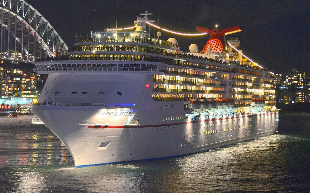 Carnival Legend in Sydney (photo: Clyden Dickens)