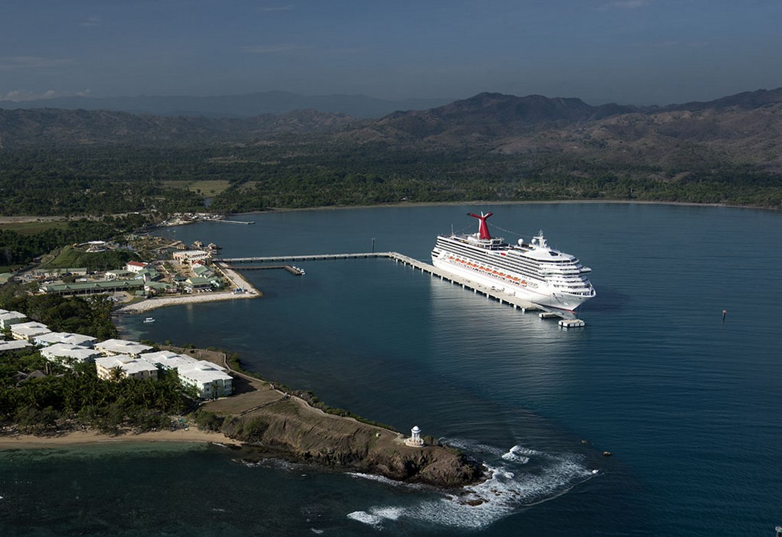 Carnival Victory Arrives In Amber Cove First Ship To