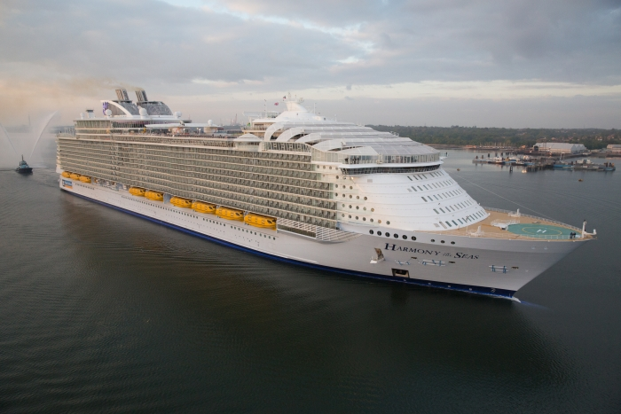 Royal Orders Oasis Five, Two More Ships for Celebrity