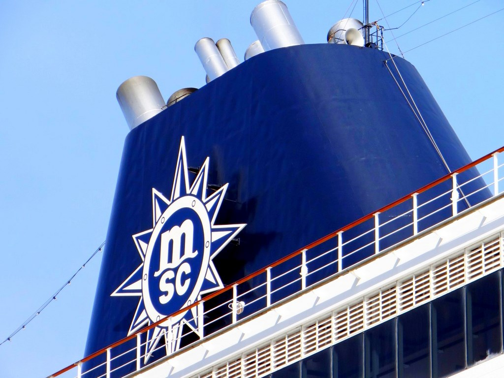 MSC Orders Four LNG Megaships from STX France