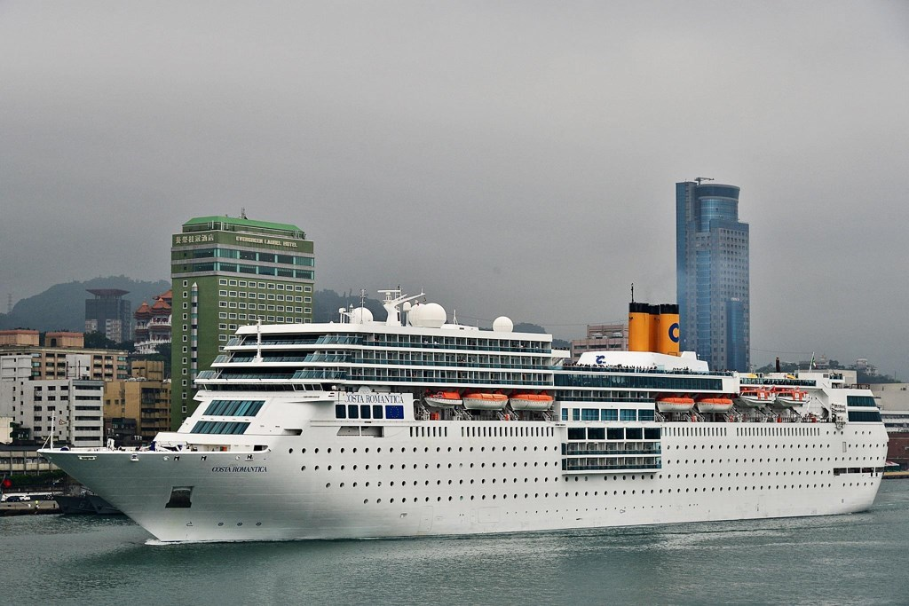 Chinese Market Growth Track Cruise Industry News - Chinese cruise ship