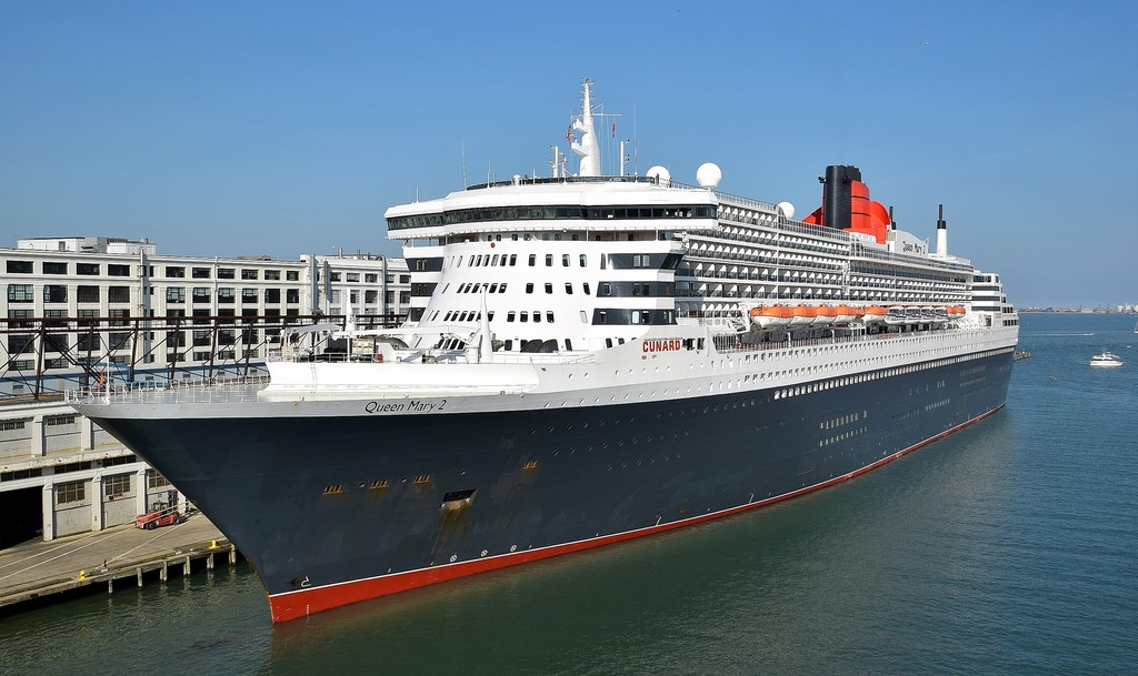 Cunard QM2 Guests to board QE2 Hotel