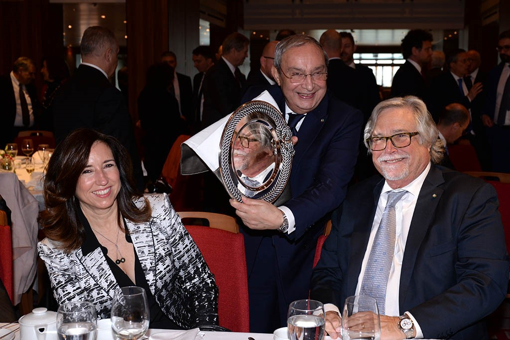 Carnival Takes Delivery of New Carnival Horizon