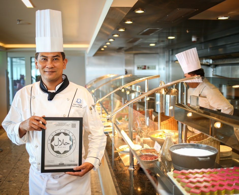 Dream Cruises Introduces Halal Cuisine on Genting Dream - Cruise ...