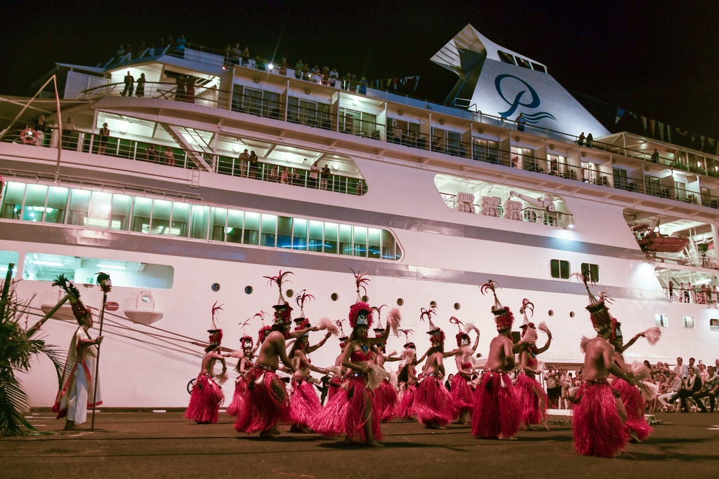 Francois Illas New Tradition: Ponant And Paul Gauguin Link Up In Papeete