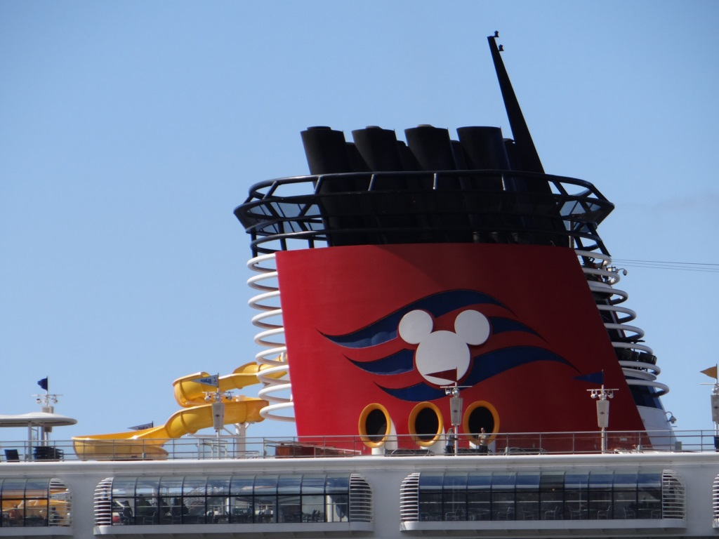 Government Shuts Down Cruise Industry for 30 Days