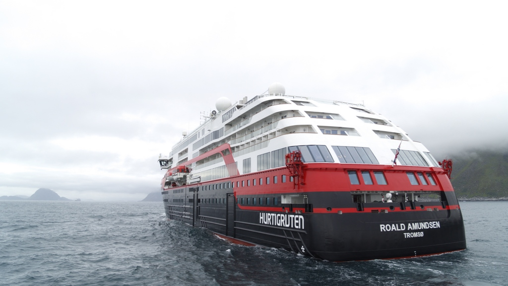 World's first battery powered cruise ship voyages for Arctic