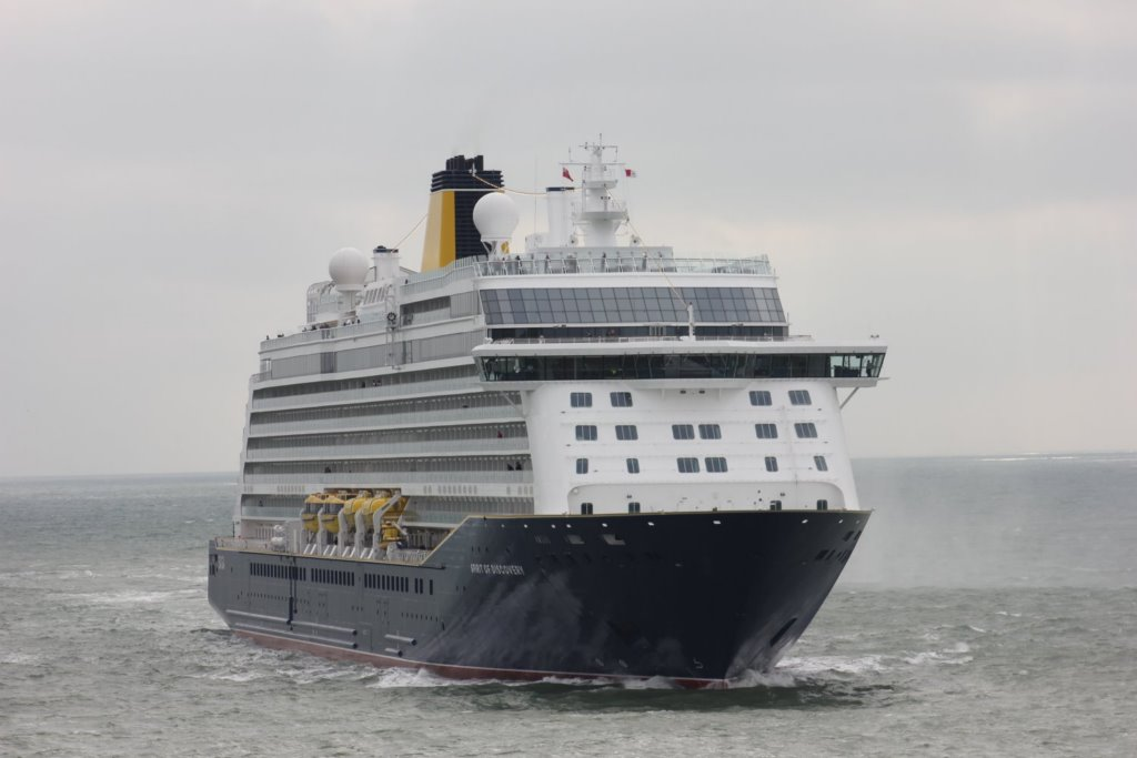 Spirit of Discovery Arrives in Dover - Cruise Industry ...