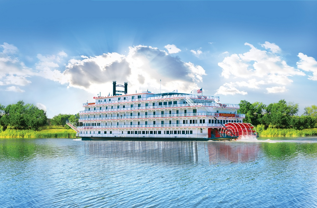 American Cruise Lines Signs 20-Year Docking Agreement with Vicksburg