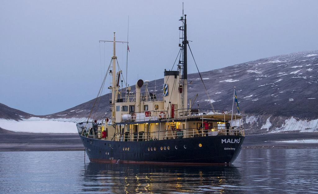 Passengers Airlifted in Svalbard as Ship is Stuck in Ice