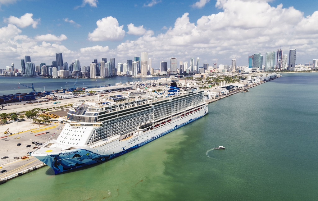 Norwegian Bliss in PortMiami