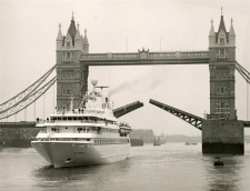 Sea Goddess I on her inaugural voyage in London in 1984