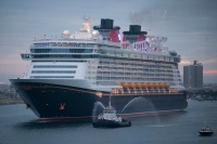 Disney Dream arriving in Florida.
