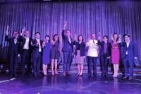 Mr. David Chua (middle), President, Genting Hong Kong; Ms Ong Huey Hong (fifth from right), Director of Cruise, Singapore Tourism Board; and Ms. Christine Siaw (third from right), CEO of Singapore Cruise Centre joined Star Cruises senior management in a toast at the welcome ceremony that celebrates the maiden call of SuperStar Gemini in Singapore, HarbourFront Terminal.