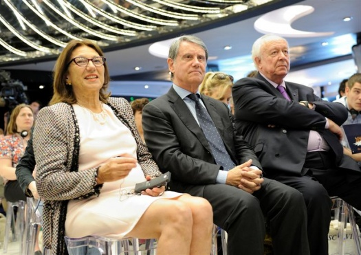 From left to right: Madame Dominique Vlasto, Deputy Mayor of Marseille, Gianluigi Aponte, President of MSC, Jean-Claude Gaudin, Mayor of Marseille.