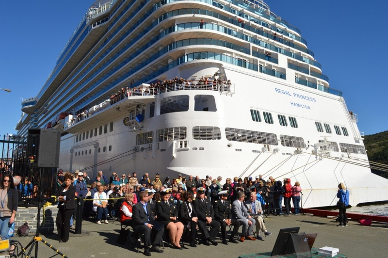 Mayor O'Keefe conducts St. John's traditional Freedom of the Seaport ceremony for the Regal Princess on her inaugural call.