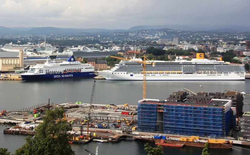 Oslo packed with ships