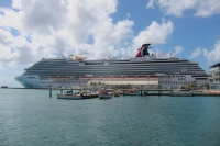 The Carnival Breeze, sun and sand in Aruba