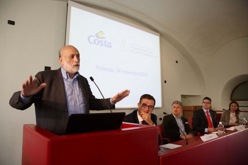 From the Left: Carlo Petrini, Chiarman UNISG - Giuseppe Carino, VP Guest Experience and Onboard Revenues Costa Cruises -Michele Fino, Associate Professor UNISG -Neil Palomba, President Costa Cruises - Stefania Lallai, Sustainability & PR Director Costa Cruises.