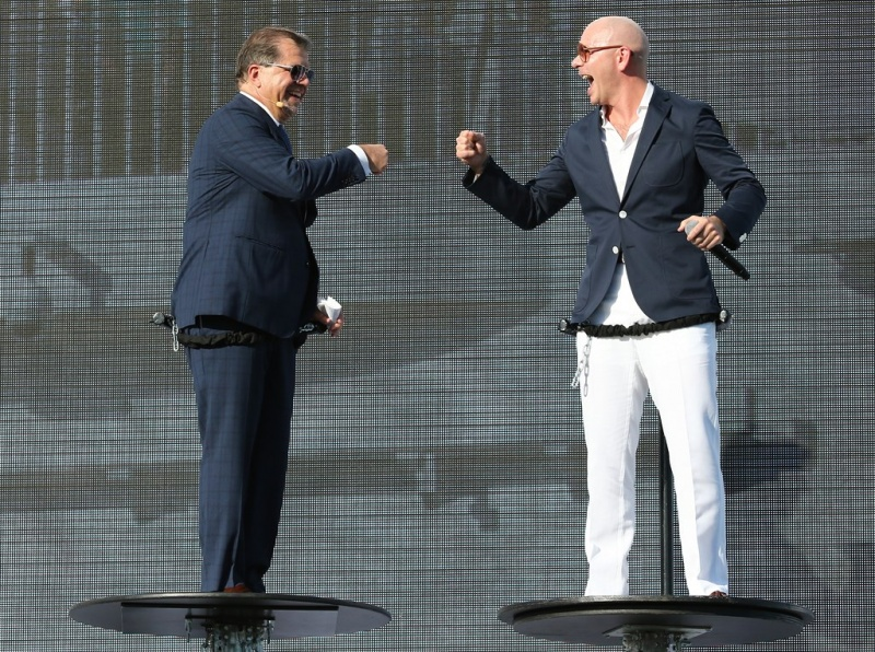 Frank del Rio (left) and Pitbull (right)