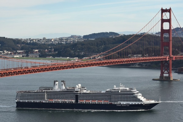 The Nieuw  Amsterdam makes the trek under the iconic Golden Gate Bridge.