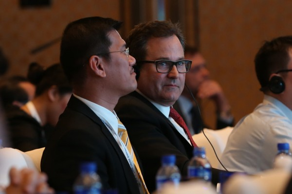 Thatcher Brown (right), president, Dream Cruises; and Ang Moo Lim (left), president, Star Cruises