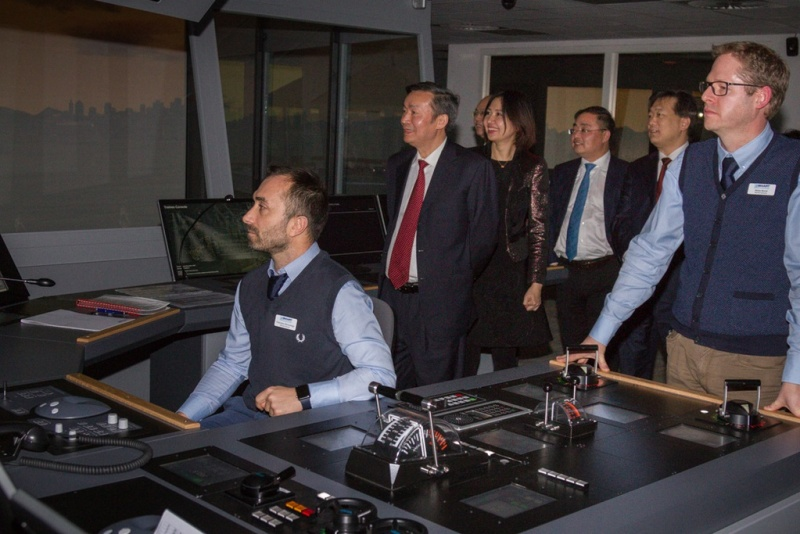 Vice Minister He and the Delegation Watches Senario Demonstration at Bridge Simulator Room