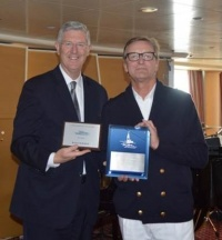 (L-R): Michael Nerney (Marketing Manager, Port of San Francisco) and Zbigniew Jaszewski (Staff Captain, Silver Whisper) exchange plaques.