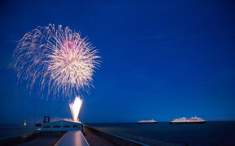 Saga ships under the fireworks