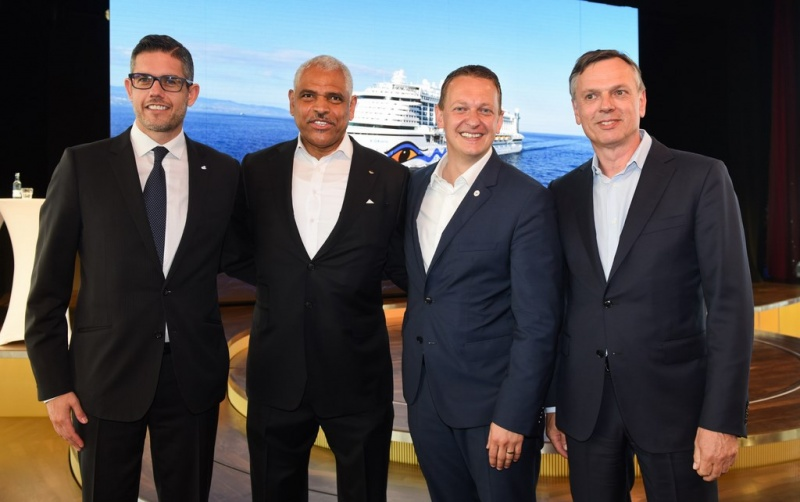 Neil Palomba, President Costa Cruises; Arnold Donald, CEO Carnival Corporation; Felix Eichhorn, President Aida Cruises; Michael Thamm, CEO Costa Group.