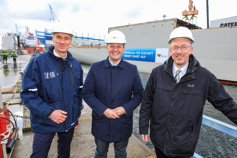 From left: Managing Director of the Neptun Shipyard Raimon Strunck, AIDA President Felix Eichorn, and Christian Pegel, minister of energy, infrastructure and digitalization of Mecklenburg-Vorpommen.