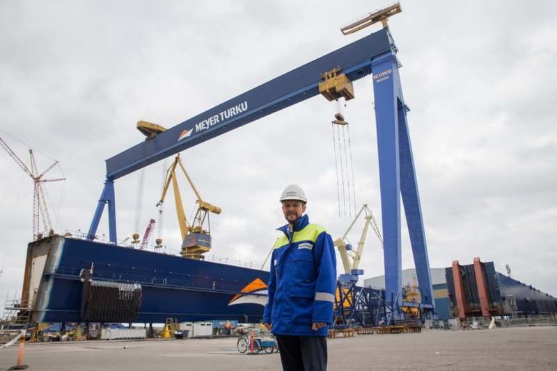 Jan Meyer and the new crane at Meyer Turku