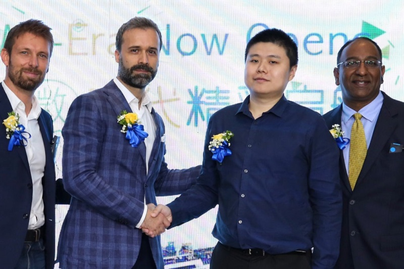 Costa Group Asia President Mario Zanetti Opens Costa We-Era together with representative from WeChat