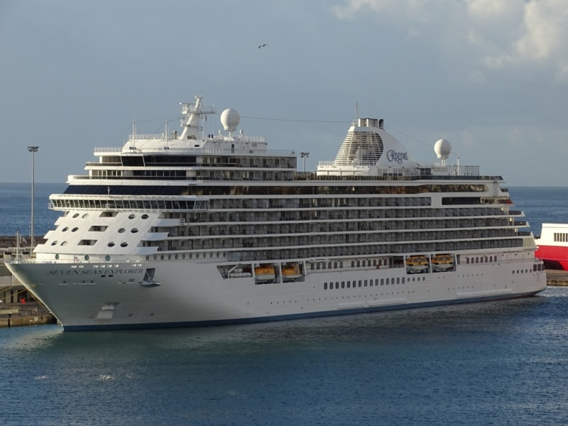 Regent booking trends show luxury cruise market booming for High end cruise lines