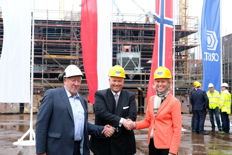 From Left: Krzysztof Kulczycki, co-owner of Crist; Trond Kleivdal, CEO of Color Line; and Gunvor Ulstein, CEO of the Ulstein Group.