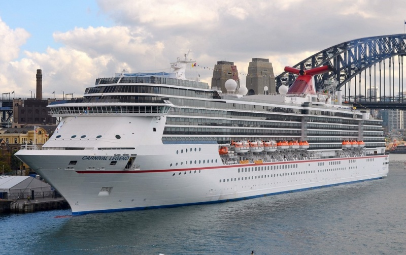 Carnival Legend in Sydney (Photo: Clyde Dickens)
