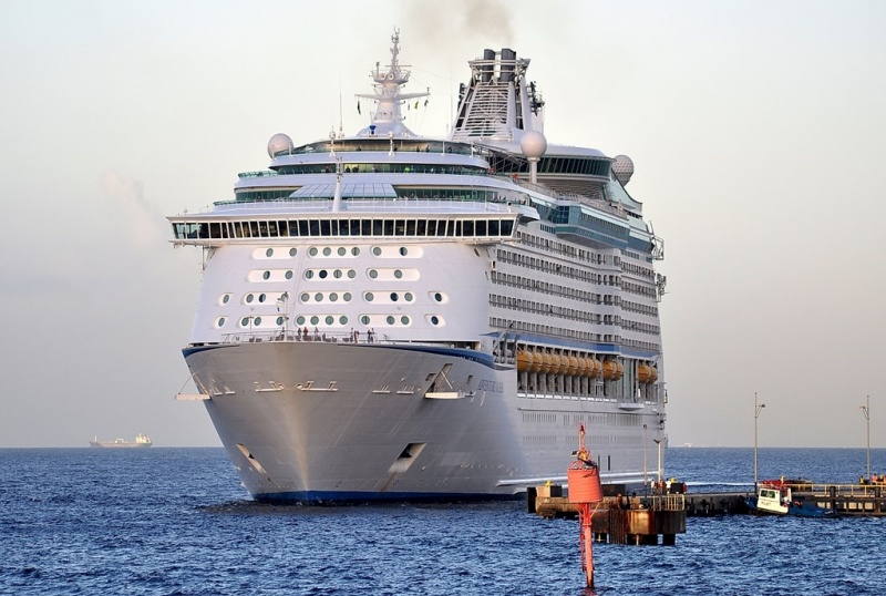 Adventure of the Seas (Photo: Cees Bustraan)