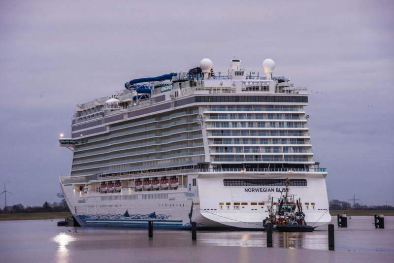 Norwegian Bliss Conveyance