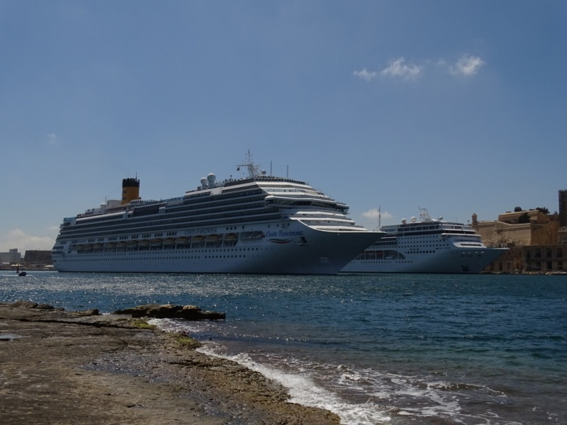 Costa Fascinosa and MSC Opera in Valletta