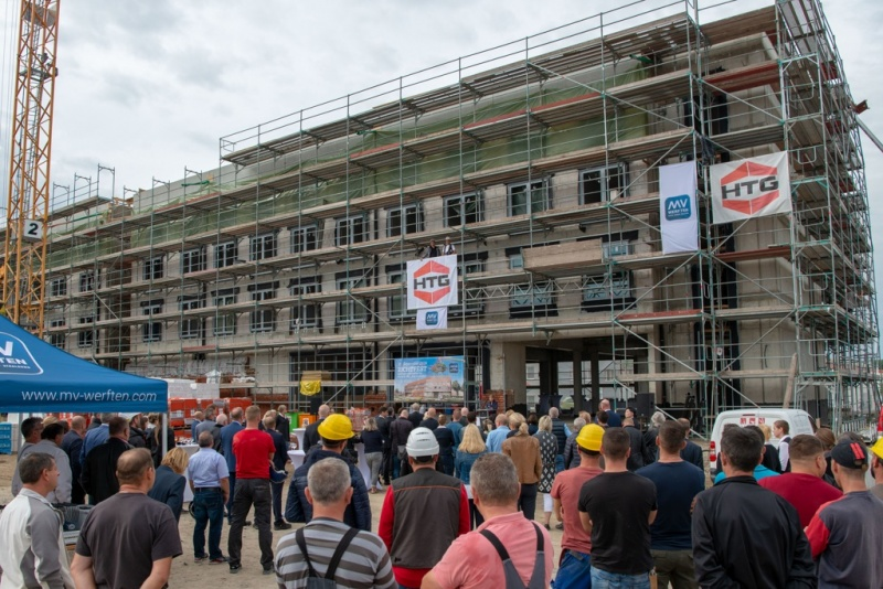 Topping out of the MV Werften Accomodation Facility