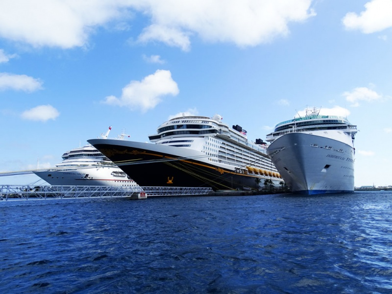 Triple Cruise Call in Nassau